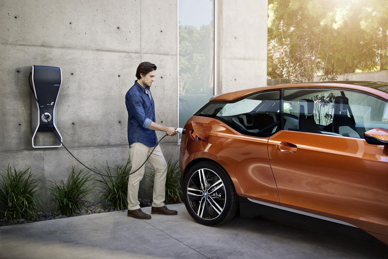 BMW به خاطر ریسک آتشسوزی در محصولات پلاگین هیبریدی فراخوان داد